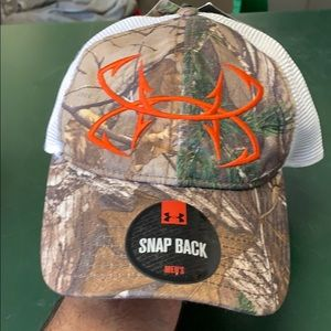 Under Armour camo SnapBack hat